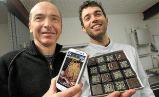 Le photographe Pascal Renard (à g.) et l'artisan-chocolatier Jérôme Kuster.