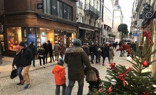 Le 1er décembre 2019- Commerces ouverts le dimanche et ambiance de Noël dans les rues de Nantes