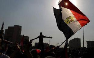 L'annonce prévue jeudi des résultats de la première présidentielle depuis la chute l'an dernier de l'ex-président Hosni Moubarak a été repoussée, prolongeant l'incertitude sur le nom du successeur de M. Moubarak, qui était hospitalisé dans le coma mercredi.