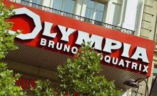 Photo, prise le 11 juillet 2003 à Paris, de la devanture de la salle de spectacle de l'Olympia