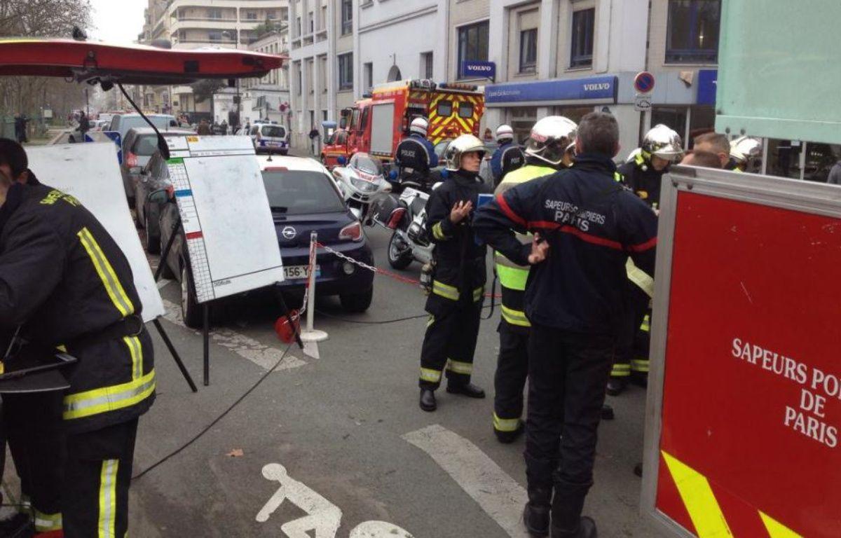 Le siège du journal Charlie Hebdo a été visé ce mercredi par des tirs d'armes automatiques. – William Moline