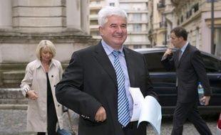 L'ancien ministre et ex-député UMP Eric Raoult, maire du Raincy (Seine-Saint-Denis), a été entendu mercredi matin dans le cadre d'une enquête pour violences conjugales après des plaintes de sa femme d'avec qui il est en instance de divorce.
