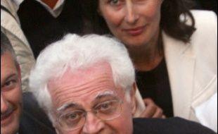 Ségolène Royal et Lionel Jospin, encouragés par les sondages, mènent la danse dans le petit jeu des pronostics pour la désignation du candidat socialiste à l'Elysée, mais le sentiment général au PS est que rien n'est encore joué.
