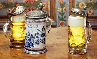 Chopes de bière alsaciennes. (Illustration)