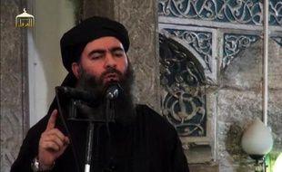 Capture d'écran d'une vidéo de propagande diffusée le 5 juillet 2014 montrant Abou Bakr Al-Baghdadi, le chef de l'Etat islamique (EI)