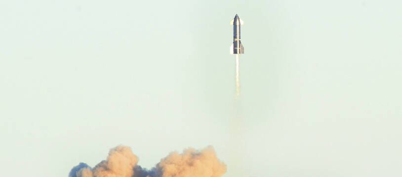 Le prototype de SpaceX lors d'un vol test le 9 décembre 2020.