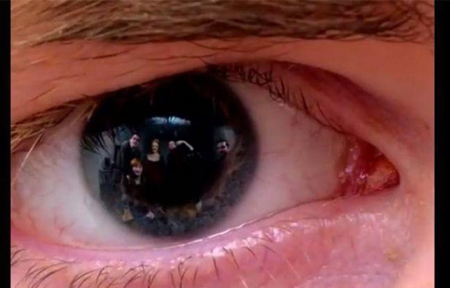 Capture d'écran d'une vidéo postée par Duncan Geere sur les reflets présents dans l'iris d'une personne photographiée.