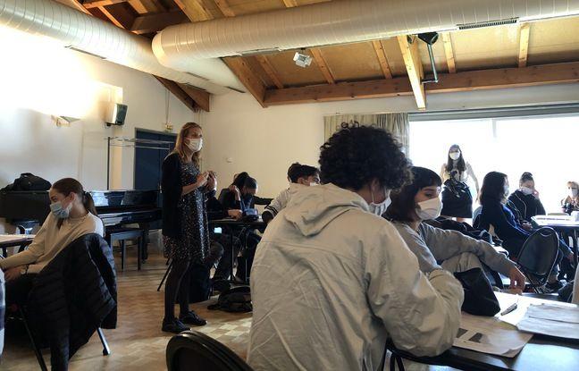 L'enseignante de SES distille des conseils à ses élèves pour le grand oral du bac.