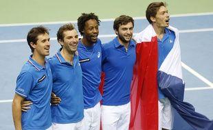 L'équipe de France de Coupe Davis fête sa qualification contre l'Allemagne le  7 mars 2015.