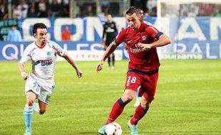 Marseille le 7 octobre 2012 - 8 eme journee du championnat de France de ligue 1 de football . Match opposant l ' OM au PSG au stade vélodrome Zlatan IBRAHIMOVIC et Mathieu VALBUENA