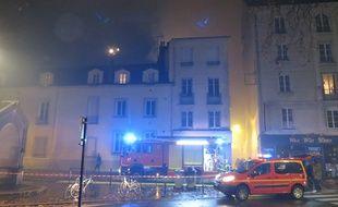 Le feu a dévasté la Cantine numérique, quartier des Olivettes, à Nantes.