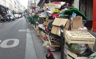 Les poubelles s'entassent à Paris.