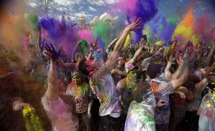 Holi, fête des couleurs.