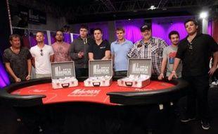 Les neuf de novembre pour la table finale du Partouche poker tour. En partant de la droite les trois Français: Alexandre Coussy, Ilan Boujenah et Roger Hairabedian