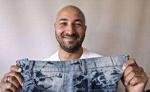 Le créateur Faical Marzouq lance des jeans sans couture sous la marque Ancestral Groundk. AFP PHOTO / THIERRY ZOCCOLAN