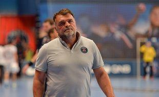 Philippe Gardent, Lu0027entraîneur Du PSG Handball, Lors Du Match De D1 Entre