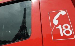 Douze pompiers ont été mis en examen et l'un d'eux incarcéré vendredi soir dans l'enquête sur un viol et des violences sur des engagés qui secoue la prestigieuse Brigade des sapeurs-pompiers de Paris (BSPP).