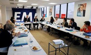 Jean-Paul Delevoye, le président de la Commission d'investiture aux législatives pour le mouvement En marche! en réunion le 25 février 2017 à Paris.