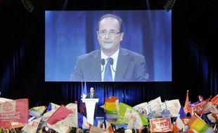 """François Hollande, candidat PS à l'Elysée, a affirmé mercredi sur Canal + que, s'il était élu le 6 mai, il choisirait un Premier ministre """"socialiste"""", car """"c'est la logique"""" et qu'il reviendrait à ce dernier de conduire """"la campagne législative""""."""