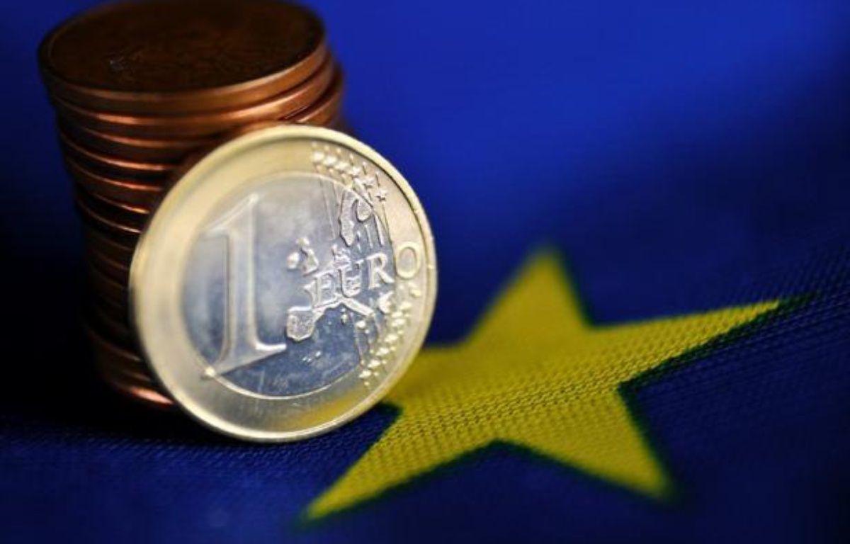 Une majorité des Allemands pensent que leur pays serait en meilleure situation sans l'euro, selon un sondage paru dimanche, alors que le ministre de l'Economie a répété ses doutes sur le maintien de la Grèce dans la zone euro. – Philippe Huguen afp.com