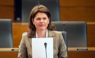 Le Parlement slovène a voté mercredi soir l'investiture du gouvernement de centre gauche du Premier ministre Alenka Bratusek, dont l'objectif prioritaire sera un assouplissement des mesures d'austérité votées par le précédent gouvernement conservateur du Premier ministre déchu, Janez Jansa.