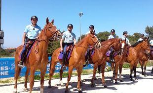 Des cavaliers de la Garde républicaine à Marseille