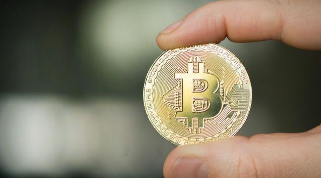 Le bitcoin plonge en bourse et entraîne les autres cryptomonnaies