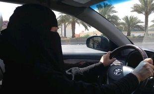 Capture d'écran du compte twitter de l'activiste saoudienne Eman Al Nafjan défiant les autoritrés en allant conduire, le 9 octobre 2013.