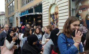 La foule a ttend l'ouverture du magasin Primark de Toulouse, le 17 octobre 2018.