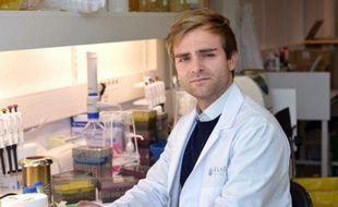 Cofondateur de Eligo Bioscience,  Xavier Duportet dans son laboratoire de l'Institut Pasteur à Paris le 30 octobre 2015