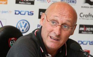 Le manager du RC Toulon, Bernard Laporte, lors d'une conférence de presse à Toulon, le 14 août 2012.