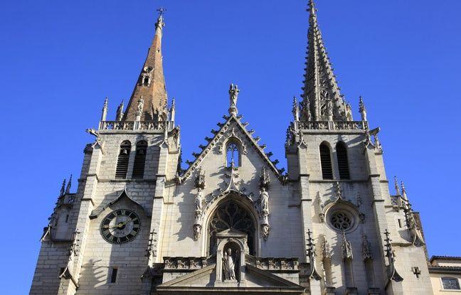 Lyon: Des fidèles évacués de la messe à cause d'un colis suspect