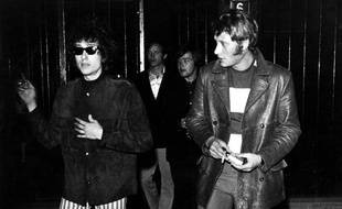 Johnny Hallyday et Bob Dylan, à Paris, en 1966.