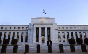Le Comité de politique monétaire de la Réserve fédérale américaine, qui se réunit mardi et mercredi, devrait encore montrer de la patience en maintenant son aide à la reprise de l'économie américaine, mise à mal par la crise budgétaire.