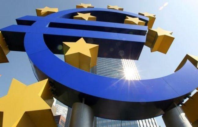 """La note de solvabilité """"triple A"""" du Fonds de secours des pays en difficulté de la zone euro (FESF) a été confirmée par les trois agences de notation, Standard and Poor's, Moody's et Fitch, annonce le FESF samedi dans un communiqué."""