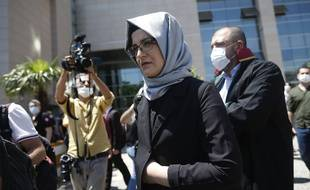 Hatice Cengiz, la fiancée du journaliste assassiné Jamal Kashoggi, à l'ouverture du procès par contumace des suspects en Turquie, le 3 juillet 2020.