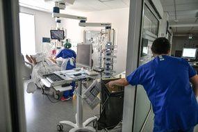 Le nombre de malades du Covid-19 en réanimation en France reste au dessus du seuil des 5.900 personnes ce mardi 20 avril 2021. (Illustration)