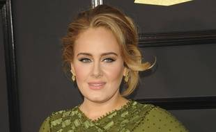 Adele sur le tapis rouge des Grammy Awards
