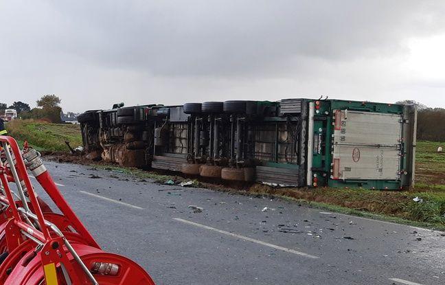 Un camion a percuté une voiture le 15 novembre 2019 à Ploudaniel, dans le Finistère. Trois jeunes de 15, 18 et 21 ans sont morts.