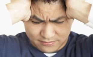Travailler trop augmenterait jusqu'à deux fois les risques d'accident vasculaire cérébral  (illustration).