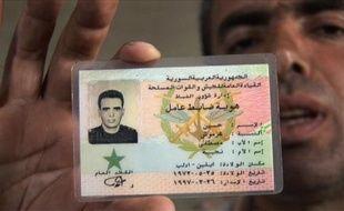 Un tribunal turc a prononcé dimanche la mise sous écrou de cinq suspects accusés d'avoir livré aux autorités syriennes un colonel déserteur de l'armée syrienne, exécuté en Syrie le mois dernier, et un autre syrien réfugiés en Turquie, a rapporté l'agence de presse Anatolie.