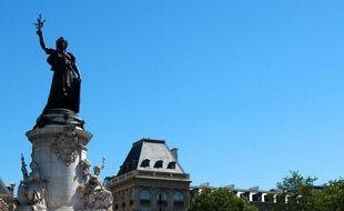 La statue de la place de la République à Paris.