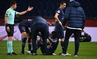 Idrissa Gueye est sorti sur blessure contre Rennes samedi soir.