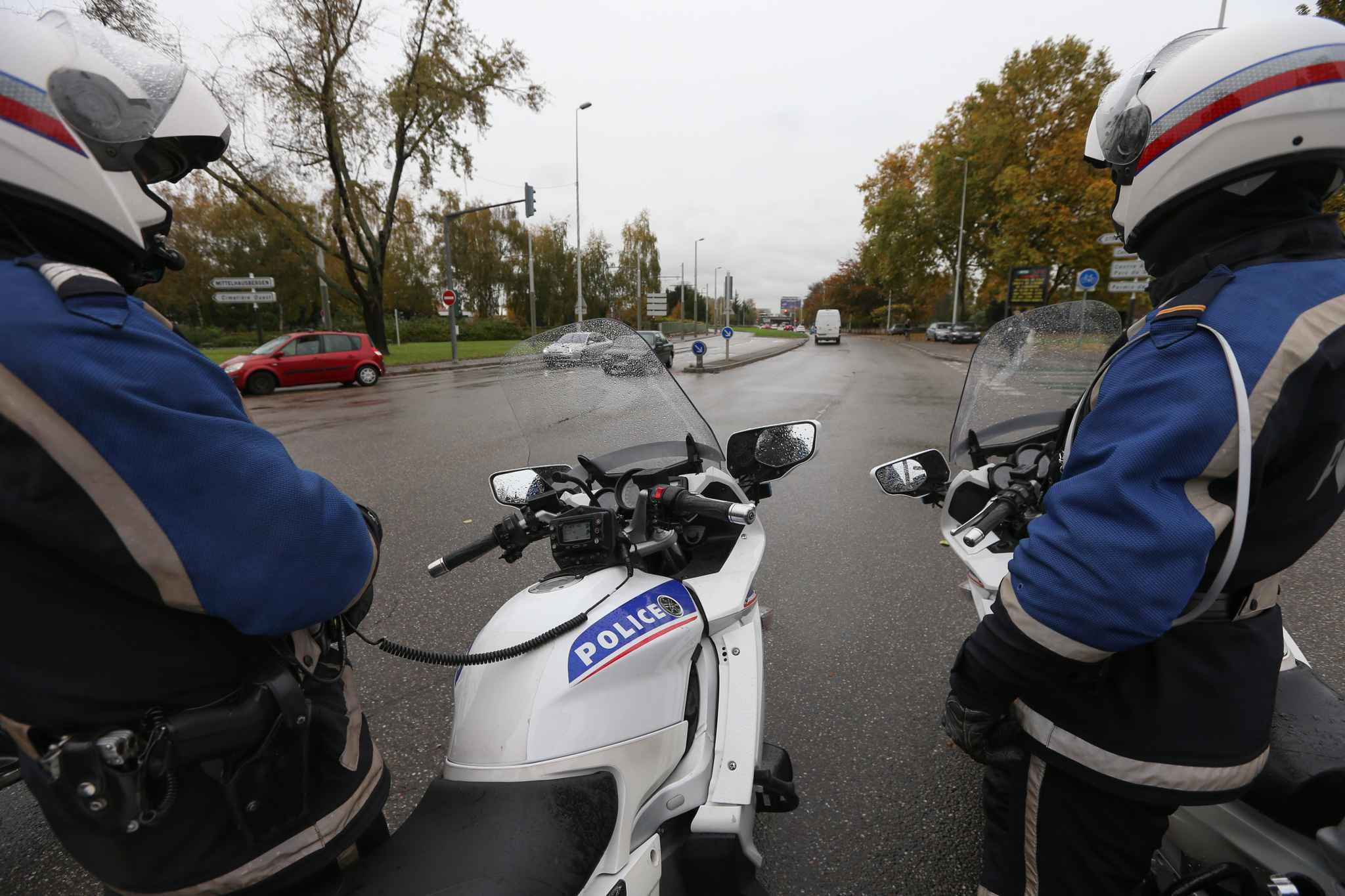 Nord les policiers qui s 39 taient t lescop s sur la route for Police nationale lille