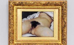 «L'Origine du Monde» de Gustave Courbet, lors d'une rétrospective à Montpellier, au Musée Fabre en septembre 2008