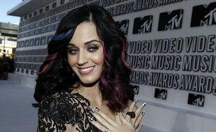 Katy Perry arrive à la cérémonie des MTV Video Music Awards, le 12 septembre 2010, à Los Angeles.