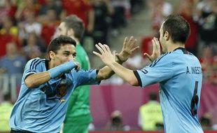 Jesus Navas félicité par Andres Iniesta après son but contre la Croatie, le 18 juin 2012.