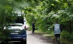 Le couple chinois qui a reconnu en avoir tué un et dépecé un autre avant d'éparpiller les corps dans le bois de Vincennes a été mis en examen mardi pour homicides volontaires et écroué, a-t-on indiqué de source judiciaire.