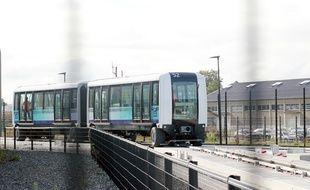 La nouvelle rame de la future ligne B du métro de Rennes est à l'essai. Elle a été conçue par Siemens.