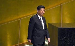 Le président chinois Xi Jinping arrive à la tribune de l'ONU à New York, le 26 septembre 2015